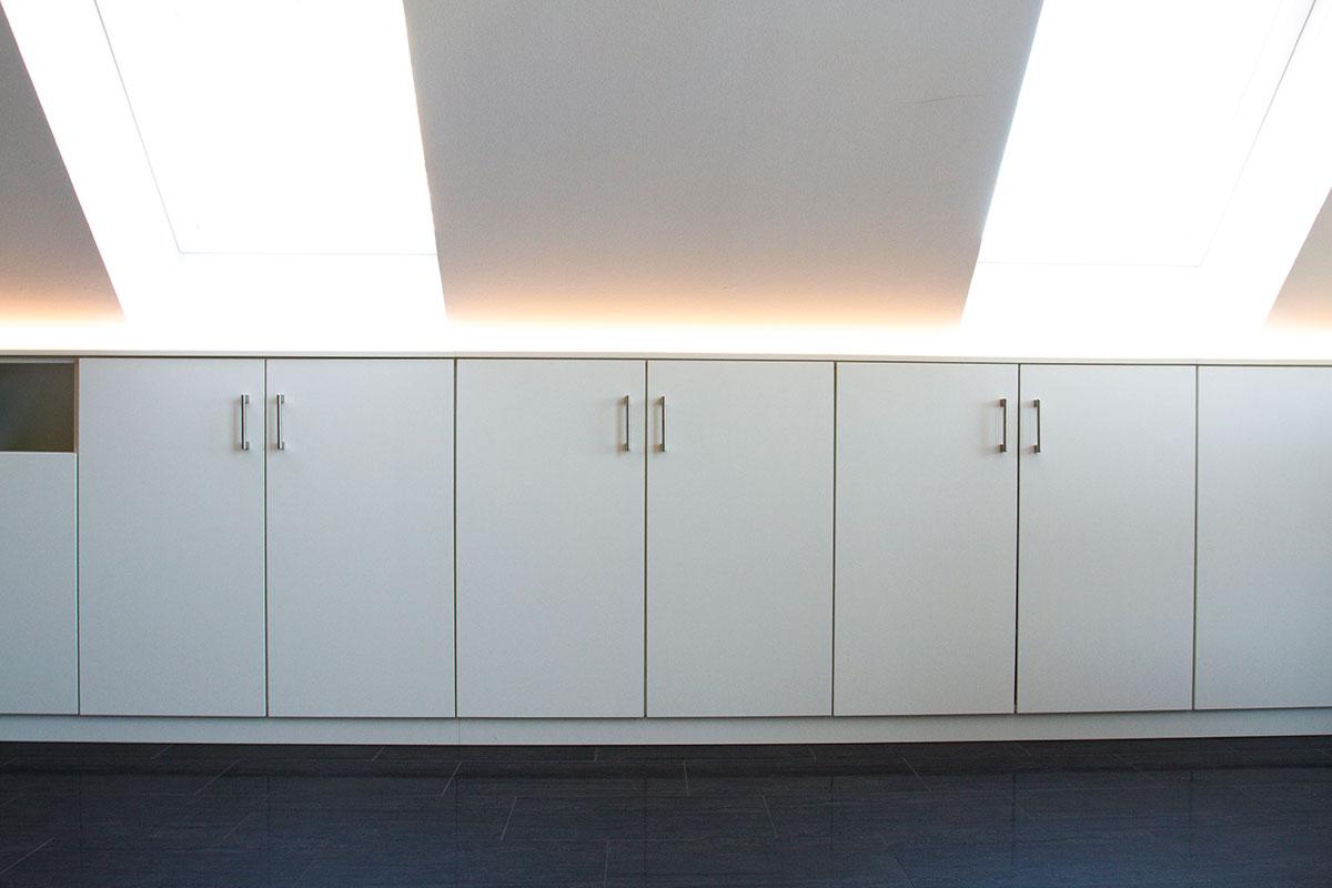 einbauschrank in einer dachschr ge fuisting tischlerei soest. Black Bedroom Furniture Sets. Home Design Ideas
